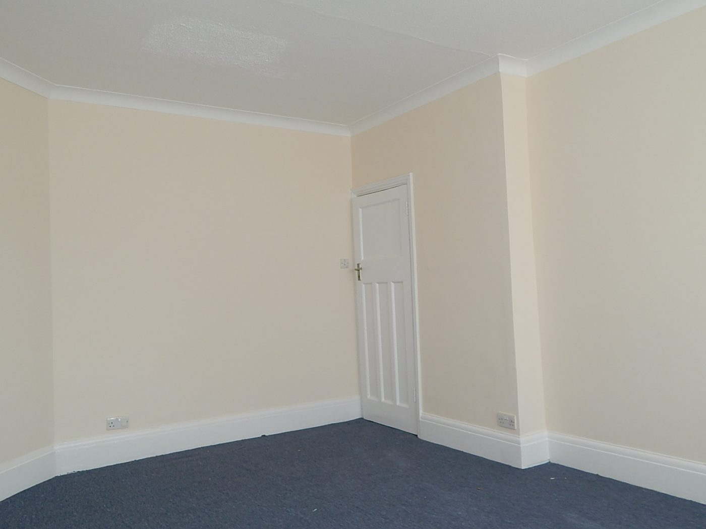Gainsborough Gardens - 2 Bed Flat