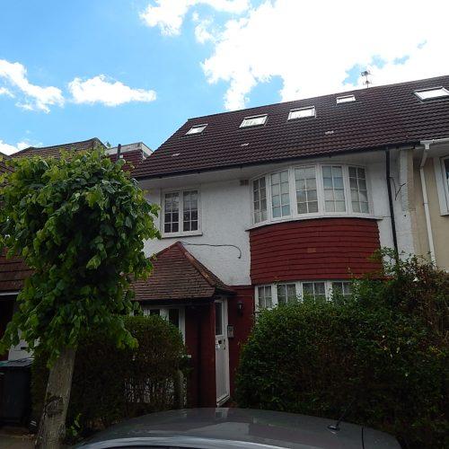 Clifton Gardens, NW11 - Studio flat