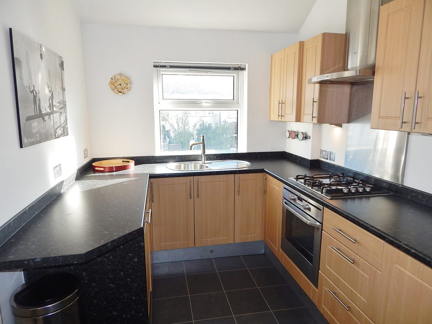 St. Mary's Road, London NW11 - 1 Bedroom Flat